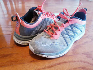 Starter running shoes womens Size 8- very good condition