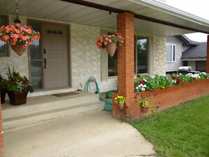1 Bedroom Basement Suite - Great Thickwood Location