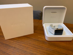 Apple Watch 42mm Series 2 - Stainless Steel with White Band
