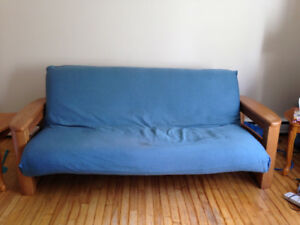 Futon coach/bed