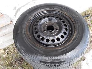 4 pneus sur rimes
