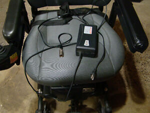MERITS Power Wheelchair P326A Mid-Wheel Drive Moose Jaw Regina Area image 6