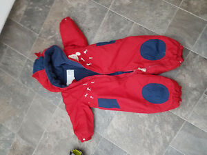 One piece snowsuit (12 months)