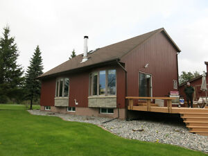 Lover's Lane House or Cottage - 2.8 acres on Porcupine Lake