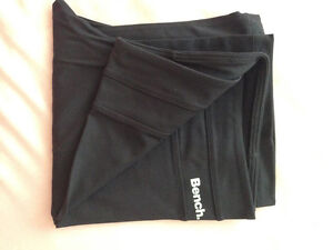 New Bench yoga pants (Medium) Kingston Kingston Area image 1