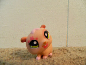 Littlest Pet Shop: Bus and hamster toy Kitchener / Waterloo Kitchener Area image 3