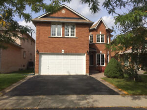 Large House for rent in Richmond Hill near 19th Ave and Yonge