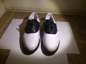 NIKE LADIES GOLF SHOES LIKE NEW FOR SALE