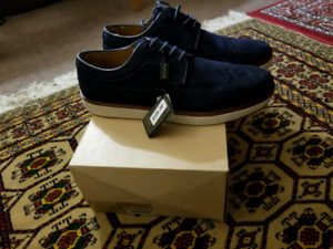 BNIB Massimo Dutti Leather Sneakers  size 10