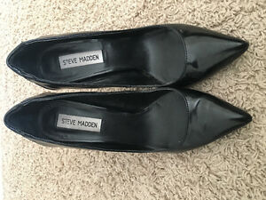 Steve Madden black leather pumps GREAT CONDITION