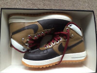 NIKE AIR FORCE 1 DUCKBOOT HIGH TOP TRAINER SIZE UK 7 EUR 41 - RARE! RRP £125
