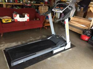 Treadmill with incline gym qaulity