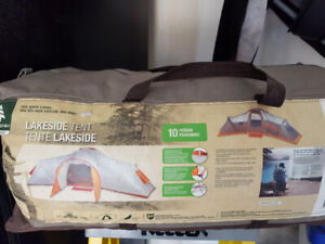 Perfect Condition Woods 10 person Tent