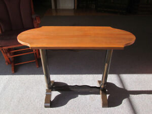 BELLE TABLE ANTIQUE EN TRES BELLE CONDITION