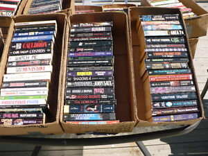 POCKETS BOOKS ENGLISH ( ABOUT 300 ) ( .25¢ EACH )