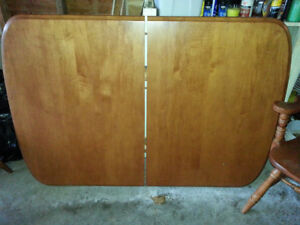Solid Maple Dinning Room Table and 3 Chairs,