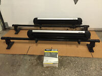 Ski rack + Thule bar + Thule fit kit. Barre de toit + rack a ski