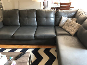 MOVEOUT-Grey leather look sectional