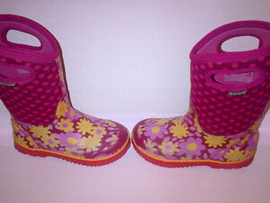 Bogs Kid's Girls Classic Flower Dot Cherry Pink Youth Size 2 Stratford Kitchener Area image 6