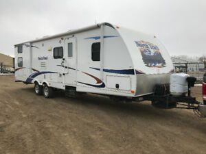 2011 Heartland North Trail 31BDSS (Rear Bunkhouse)