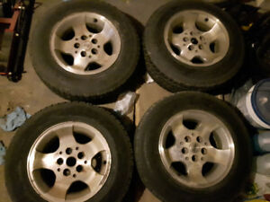 Roues 215/70 R 15 Jeep