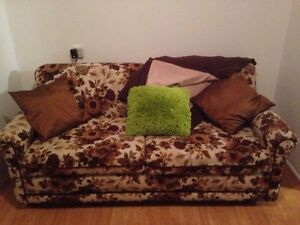 Retro pull out sofa bed / couch