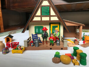 Playmobil Cottage with lots of pieces