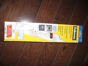 Fellowes 6 Outlet Surge Protector