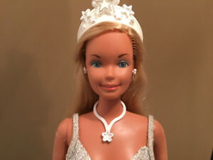 A 1976 Mattel Supersize Barbie &Star Stand- Very Good Condition