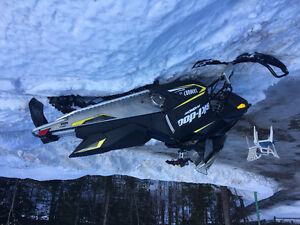 2017 skidoo MXZ 600 carb for sale.