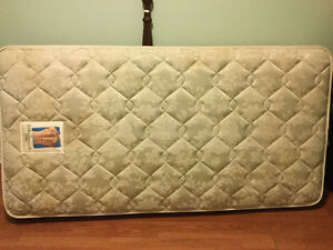 Single Sealy plush mattress only free delivery