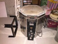 KILN FOR SALE, CHEAP! GLAZES FOR FREE.
