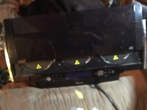 CD player with speakers