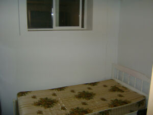 Room for rent downtoen include utilities and inter 400 on 12 ave