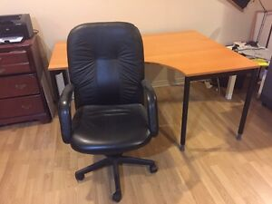 Desk for sale & chair for sale West Island Greater Montréal image 4