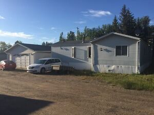 4 bedrroom mobile with two car garage in Sangudo Alberta