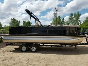 2018 Berkshire Pontoons STS 23RFC Tri-Toon - END OF SEASON SALE!