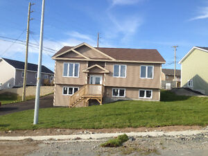 Upstairs three bedroom apartment - 5 Trenton Dr. Paradise