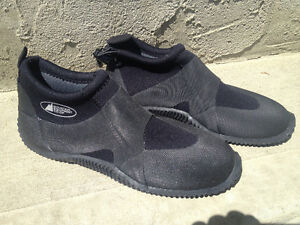 Neoprene Water Shoes, Size 6 Small