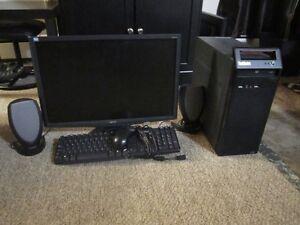 """Lenovo Intel Core 2 Duo E8400 @ 3.00 ghz. LCD Monitor 22"""""""