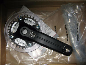 New in Box FSA Gravity Maximus Crank with Chain Rings & Bash