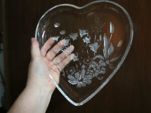 Glass heart- shaped serving dish