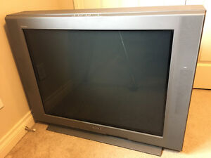 Free TV if you can transport it out London Ontario image 1