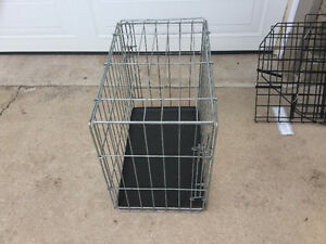 Kennel with tray