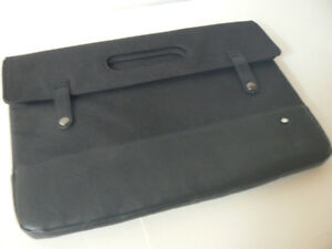 "PKG macbook PRO CASE Premium 15"" MACBOOK PRO NEW"