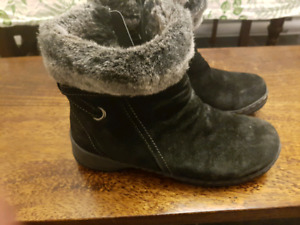 WOMEN'S DENVER HAYES WINTER BOOTS  SIZE 7.5