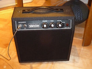Sanox electric guitar amp / Ampli de guitare