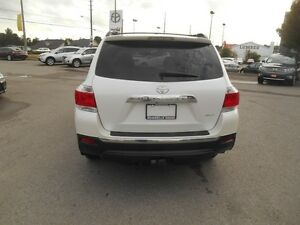 2013 Toyota Highlander Sport AWD Peterborough Peterborough Area image 5