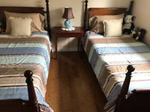 **BEAUTIFUL TWIN BED SET FOR SALE!! WITH MATTRESSES!!**
