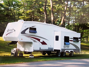 Fifth wheel roulotte Cruiser 27RL 2007, très bon état